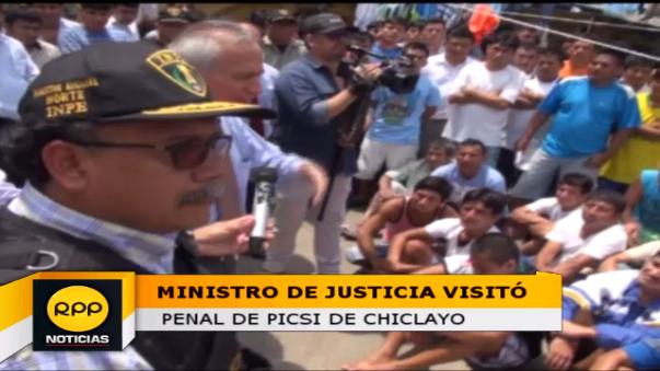 Aldo Vásquez, conversó con los presos sobre grave problema de hacinamiento, luego de incendio que dejó tres muertos.