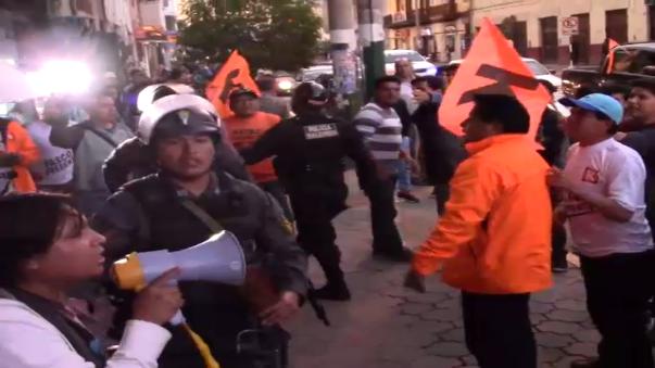 Militantes de Fuerza Popular y de Perú Libre se enfrentaron en Huancayo, tras la llegada de Keiko Fujimori.