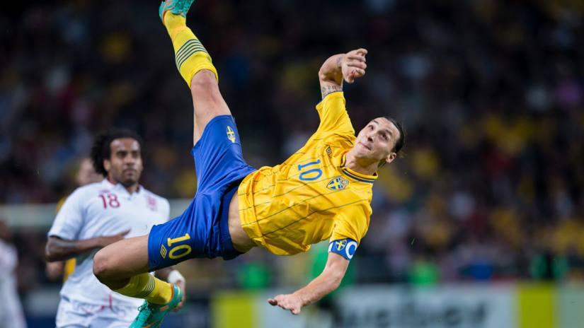 Golazo de Zlatan Ibrahimovic a Inglaterra