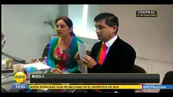 Rosa del Carmen Gutiérrez Rodríguez y su abogado.