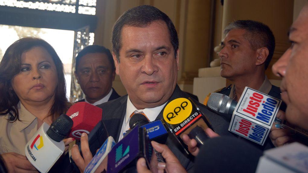 Iberico saludó informe de la Comisión Narcopolítica.