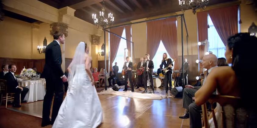 En el puesto 8 se encuentra Maroon 5 con esta romántica canción grabada para su quinto álbum de estudio. Además la canción es musicalmente una reminiscencia de las obras de los artistas norteamericanos.