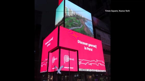 La noche del 31 de diciembre, tres pantallas en Times Square se teñirán de rojo y blanco.