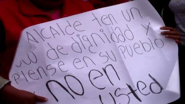 Pobladores exigieron sanción para el burgomaestre luego de ser intervenido en estado de ebriedad.