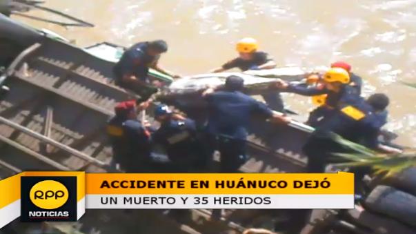 Bus cayó muy cerca al rio Huallaga, afortunadamente los pasajeros heridos se salvaron de morir ahogados.