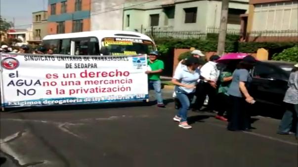 Trabajadores de Sedapar rechazan la privatización.