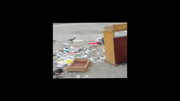 Vecinos y desconocidos usan de basurero zona descampada al lado del centro de salud del Gobierno Regional del Callao