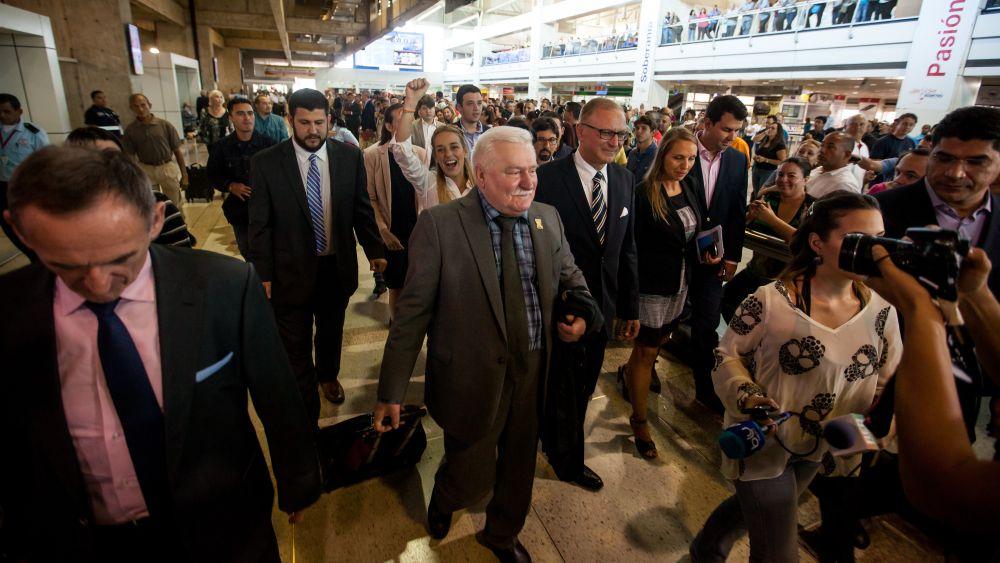 Arias y Walesa llegaron a Caracas junto a Nontombi Naomi Tuu, hija del obispo sudafricano y también Nobel de la Paz Desmond Tutu.