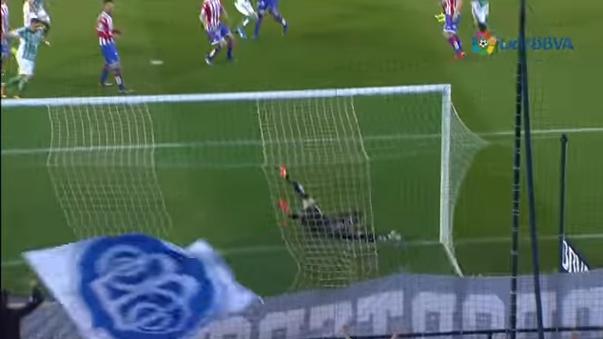 El pase gol de Juan Vargas para el empate del Real Betis ante el Sporting Gijón