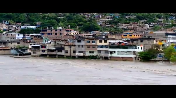 Caudal de rio Apurimac sigue creciendo y ya afecta a los distritos de Kimbiri y San Francisco en el Cuzco.