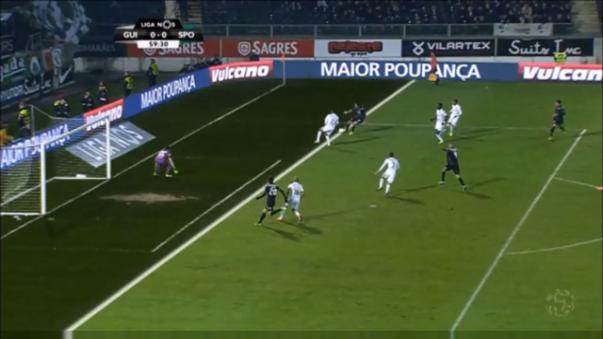 Bryan Ruiz comete un vergonzoso blooper con el Sporting Lisboa