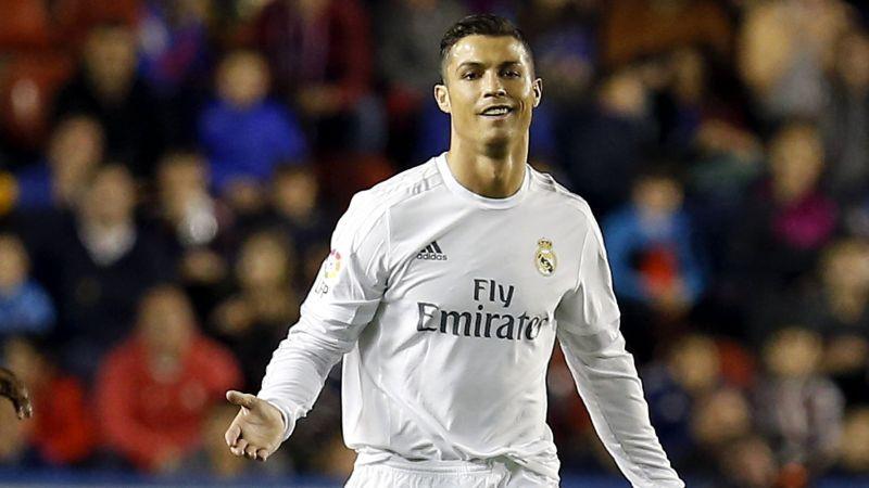 Cristiano Ronaldo presentó su perfume.