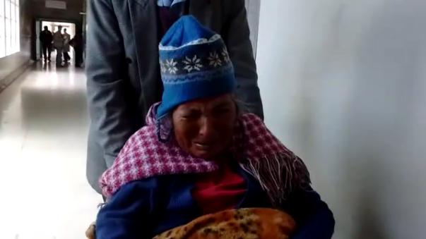 Familiares de la anciana refieren que en el Hospital Regional Manuel Núñez Butrón le negaron transferencia.