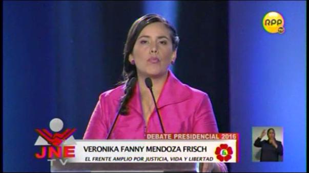 Verónika Mendoza cuestionó el modelo económico.