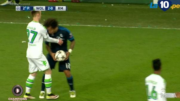 Marcelo es víctima de críticas por fingir agresión ante el Wolfsburgo