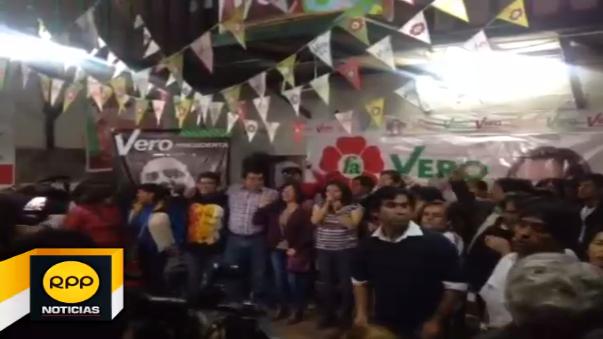 Verónika Mendoza llegó a su local de campaña en Cusco