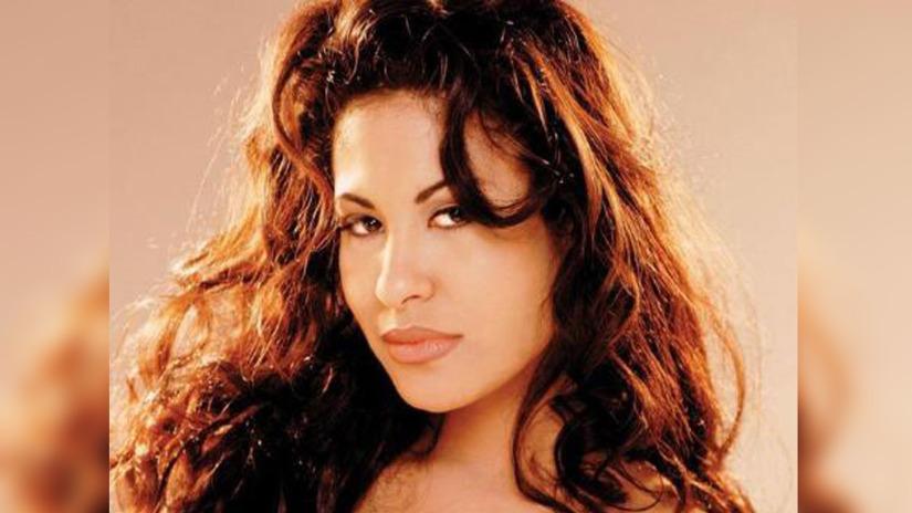 Selena: presentan adelanto de línea de cosméticos
