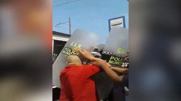 Varios usuarios denunciaron abuso de autoridad por parte de serenos de la Municipalidad de San Juan de Miraflores.