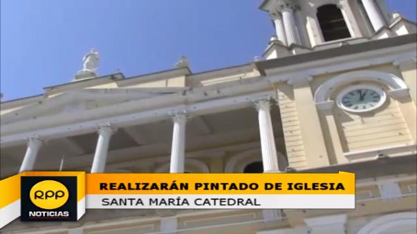 Después de 10 años pintarán toda la Catedral de Chiclayo.