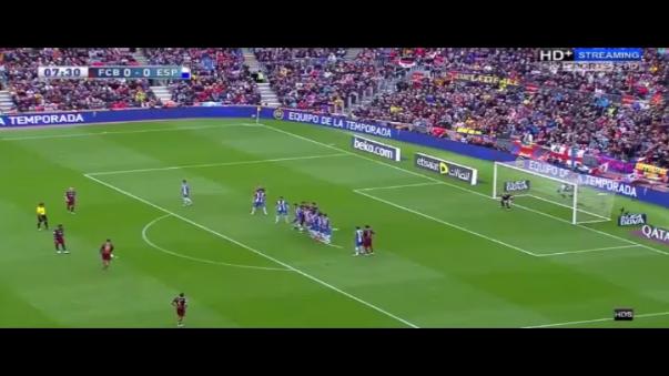 Barcelona goleó 5-0 al Espanyol este domingo, con dos tantos de Luis Suárez.