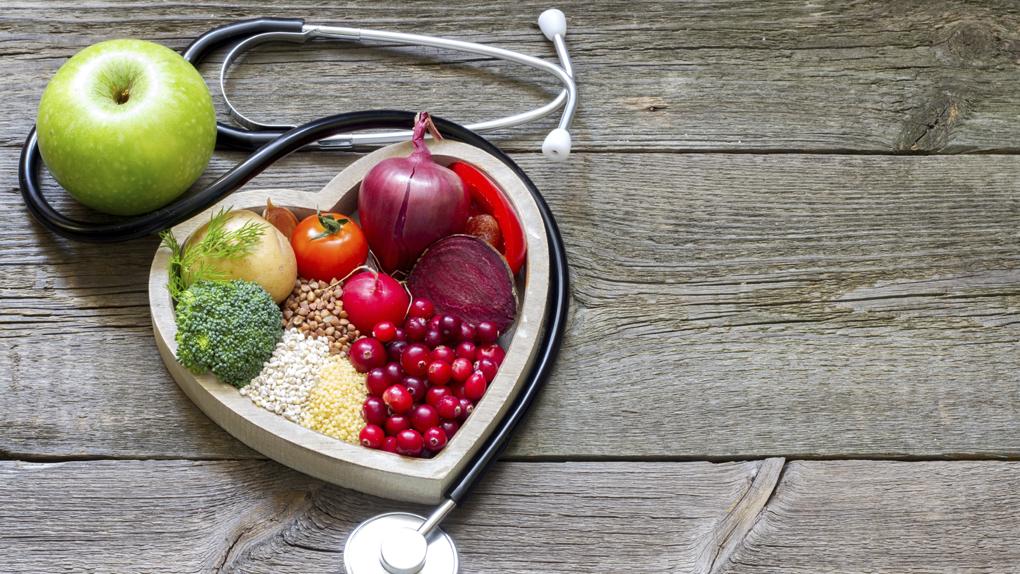 La nutricionista Sara Abu Sabbah nos aconseja sobre la forma en que podemos medir nuestro consumo calórico diario.