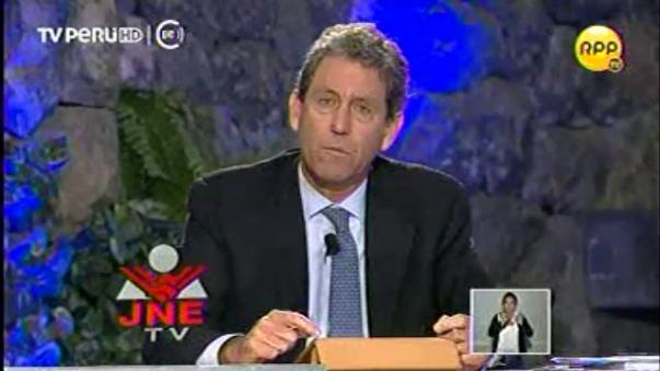 Debate técnico sobre economía entre Peruanos Por el Kambio y Fuerza Popular.