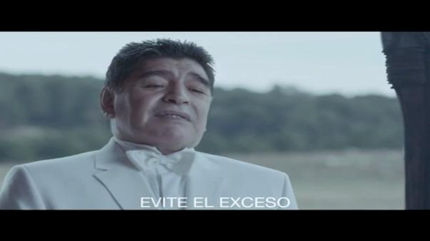 Diego Maradona hace de las suyas en este spot.