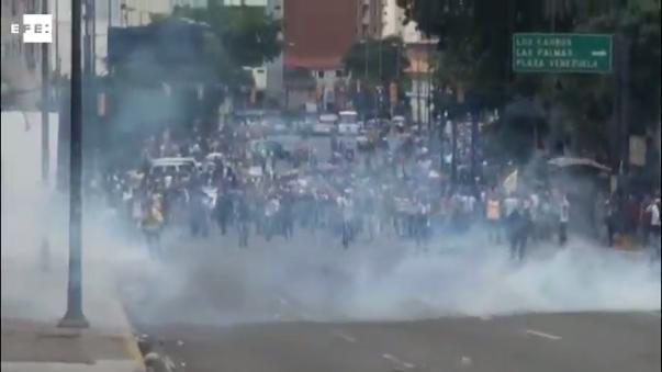 Esta es la tercera jornada de manifestación nacional que hacen los opositores para exigir al Poder Electoral que acelere la activación del referendo revocatorio del presidente Nicolás Maduro.