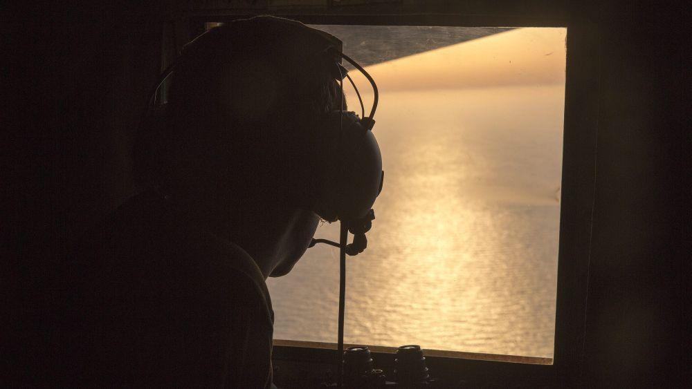 El avión de EgyptAir emitió señales de presencia de humo antes de estrellarse.