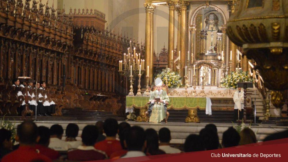 El cardenal Cipriani ofició una misa en honor a los 103 años de Lolo Fernández.