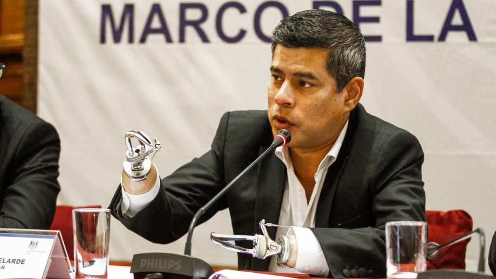 Luis Galarreta criticó que algunos medios solo busquen declaraciones de abiertos opositores a Keiko Fujimori.