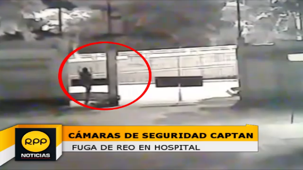Imágenes captadas por vigilancia del Hospital Regional de Trujillo, muestran el escape del reo.