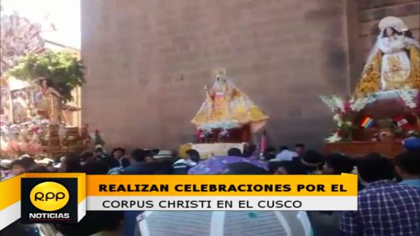 El arzobispo del Cusco, monseñor Richard Alarcón Urrutia presidió procesion del Santísimo Sacramento en la plaza mayor del Cusco. En la foto se aprecia la famosa Carroza de Plata perteneciente a la basílica Catedral.