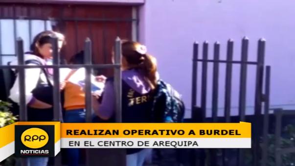 En la vivienda se encontró a tres mujeres; que fueron detenidas para las investigaciones del caso.