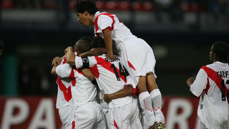 Perú 3 - 0 Uruguay