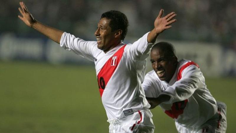Perú 2 - 2 Bolivia