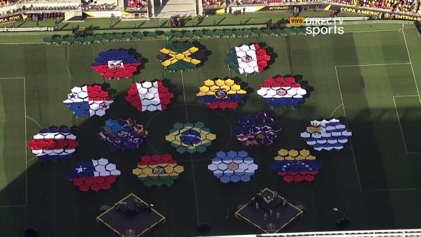 La inauguración de la Copa América Centenario contó con artistas como Magic.