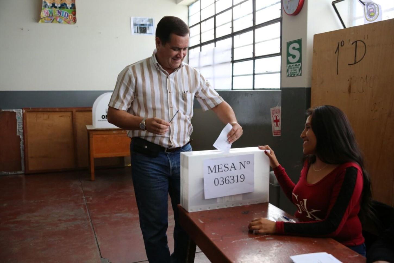 #VotaPerú Luis Iberico dice que