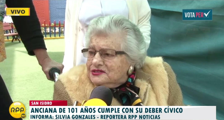 #VotaPerú Mujer de 101 cumple con su deber cívico y vota en San Isidro. http://rpp.pe/