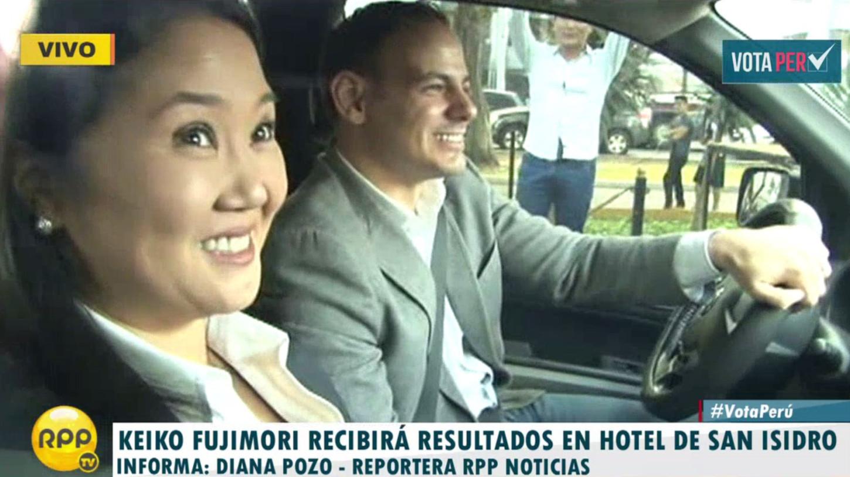 #VotaPerú Keiko Fujimori llegó hasta un hotel de San Isidro donde recibirá los resultados.