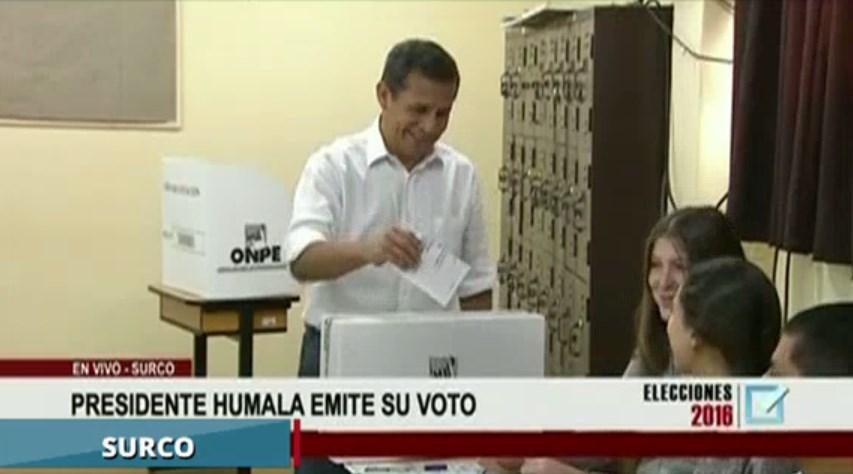 #VotaPerú Ollanta Humala votó por última vez como presidente.
