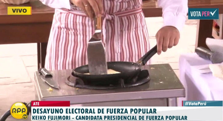 #VotaPerú Keiko Fujimori prepara parte del desayuno.