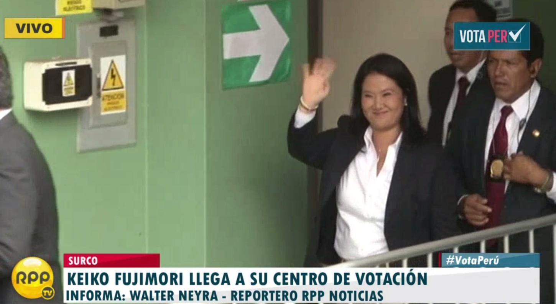 #VotaPerú: Keiko Fujimori ingresó al colegio Virgen de la Asunción en Surco.