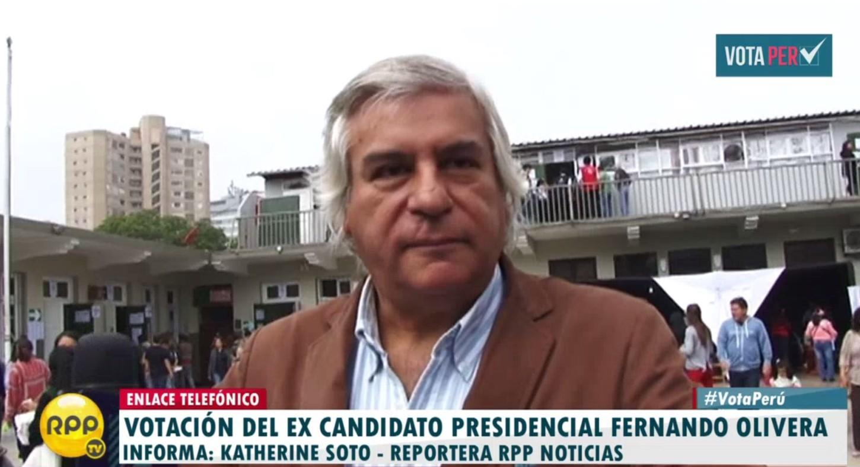 #VotaPerú Fernando Olivera emitió su voto en el mismo local que el de PPK en San Isidro. http://rpp.pe/