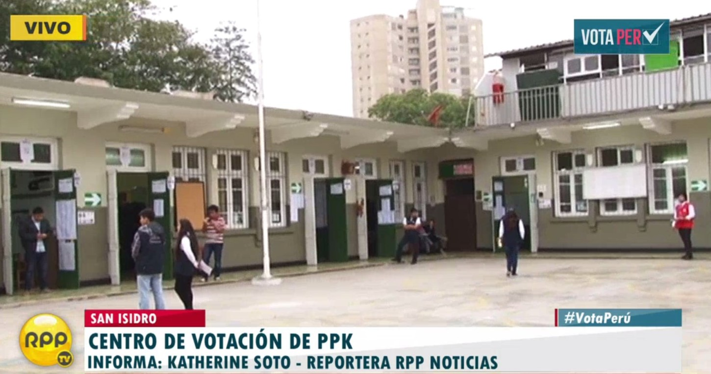 #VotaPerú PPK votará en colegio El Olivar de San Isidro.