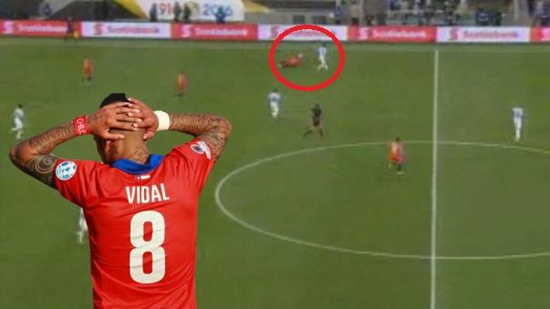 Arturo Vidal pasó un mal rato ante Argentina.
