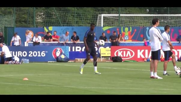 Paul Pogba con 23 años será el abanderado de Francia en la Euro.