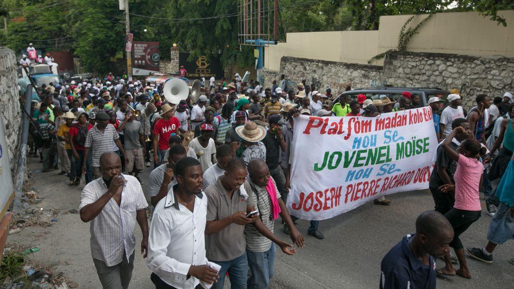 Todos los manifestantes pertenecen al Partido Haitiano Tet Kale.