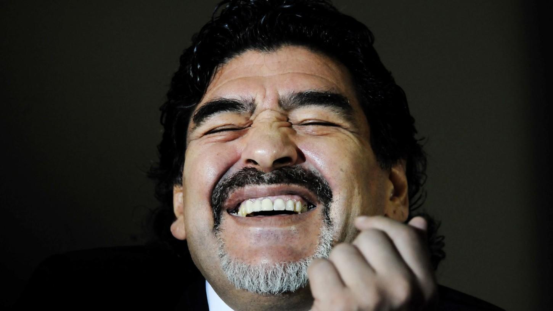 Diego Maradona participó de un partido por la paz junto a Pelé.