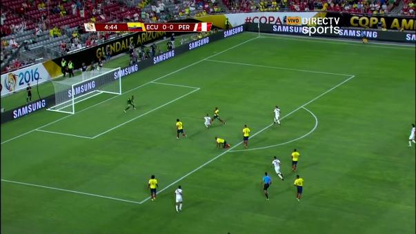 Prensa se rinde ante la magia de Christian Cueva con la Selección Peruana.